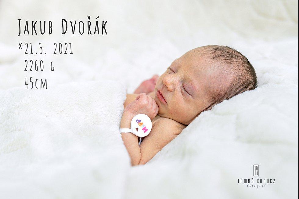 Michaele a Tomáši Dvořákovým se 21. května narodil syn Jakub Dvořák.