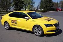 Součástí flotily AAA Taxi jsou komfortní vozy Škoda Superb