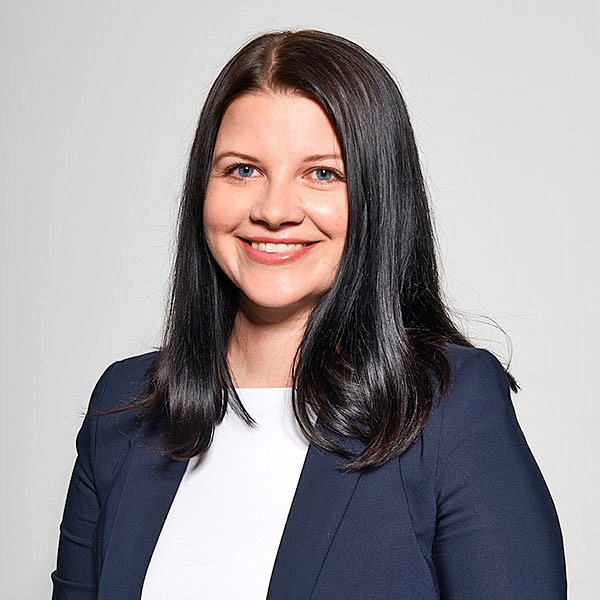 Mgr. Veronika Luňáková