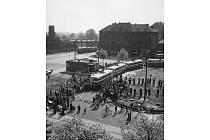 Slavnostní zahájení trolejbusové dopravy s vozy Škoda 7Tr proběhlo v Ostravě 9. května 1952 na ještě nedobudované smyčce na náměstí Republiky.