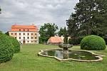 Státní zámek ve Valči