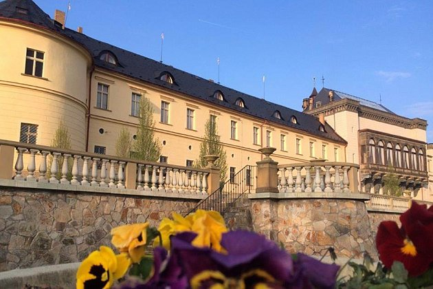 Jaro na zámku
