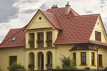 Brněnka 14, červená engoba. Realizace získala 1. místo v soutěži TONDACH Pálená střecha 2013 v kategorii Rodinné domy a obytné stavby