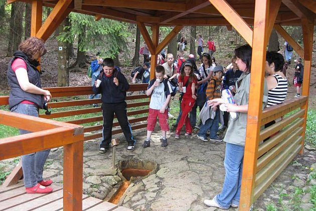 výlety sděti za minerálkami Slavkovského lesa