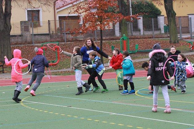 Sportovní hry jsou jednou zhlavních náplní lekcí Sportuj ve škole