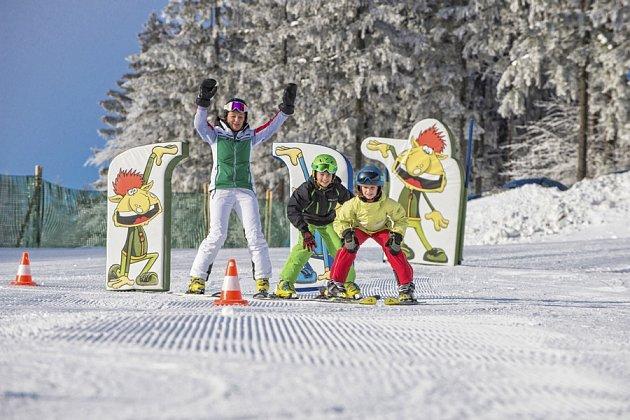 Vdětském hřišti skřítka Fichtla vaše děti naučí lyžovat sradostí a úsměvem.