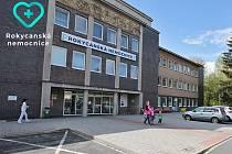 Rokycanská nemocnice a. s. - hlavní vchod