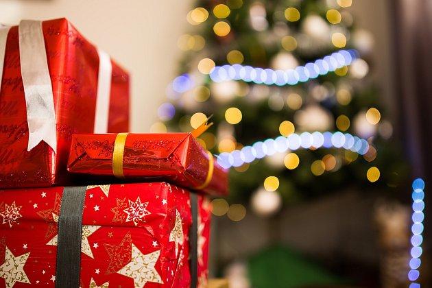 Vánoce vás nemusí zruinovat. Nakupujte chytře! - Reklama Deník afc9944fb2