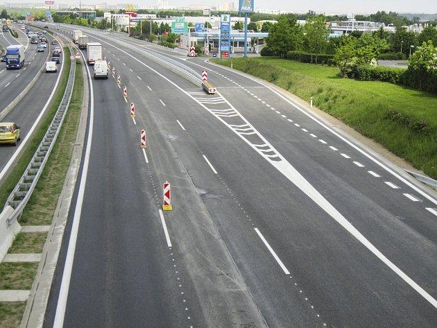 Dálnice D1 u Průhonic