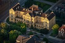 Hlavní historická budova Jihočeského muzea v Českých Budějovicích