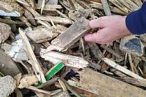 Dřevěný recyklát.