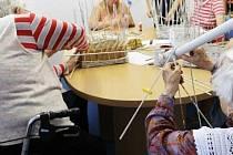 Do Centra denních služeb v Hodoníně vozí zdarma seniory a handicapované z poničených obcí