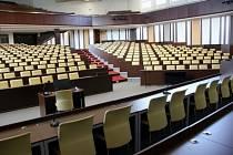 Zmodernizovaný přednáškový sál.