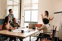 Microsoft Dynamics 365 sjednocuje podnikové informační systémy, ale díky své modularitě nabízí komplexní pokrytí všech firemních procesů.