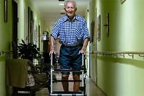 Když vlastní nohy již tolik neslouží, je chodítko tím pravým pomocníkem