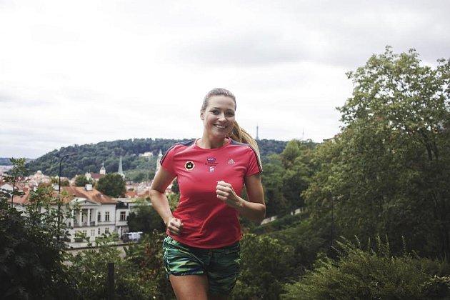 """""""Troufnu si tvrdit, že běhání je jeden z nejlepších sportů na formování postavy,"""" tvrdí modelka Eva Čerešňáková."""