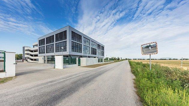 DELTA - Ultra-nízkoenergetická kancelářská budova EKOM v Piešťanech
