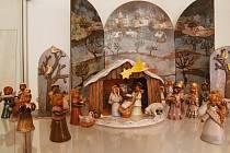 Betlém je od ústecké keramičky Šárky Roščákové z Ústí z pod hradu Střekova, je keramický.