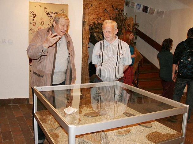 V lounském muzeu probíhá výstava s názvem Tajemství zahalená tmou.