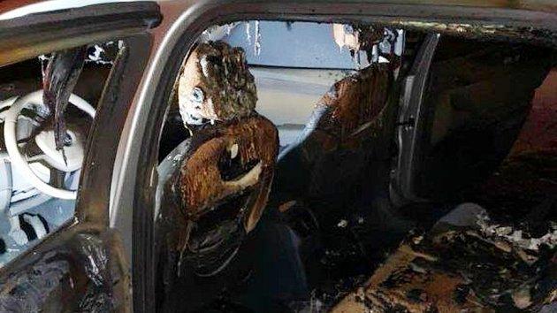 Náměstkovi chomutovského primátora Dindovi kdosi zapálil auto u domu