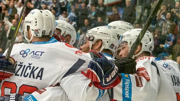 Chomutov vyhrál v Budějovicích 3:1 a stále živí naději na záchranu extraligy.