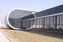Moderní hala firmy Puls i s vybavením přišla na tři sta milionů korun.