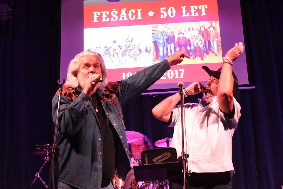 Legenda českého country kapela Fešáci oslavila v loni 50 let.