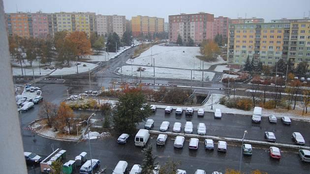 Sídliště Písečná pod sněhem. 27.10.2012 v 8 hodin.
