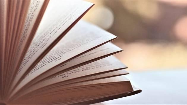 Bezkontaktní výpůjčka začíná v jirkovské knihovně v úterý.