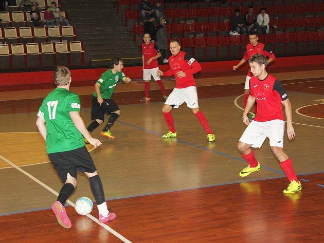 Obranný blok Betisu fungoval do 30. minuty. Pak se už prosadili futsalisté Baníku.