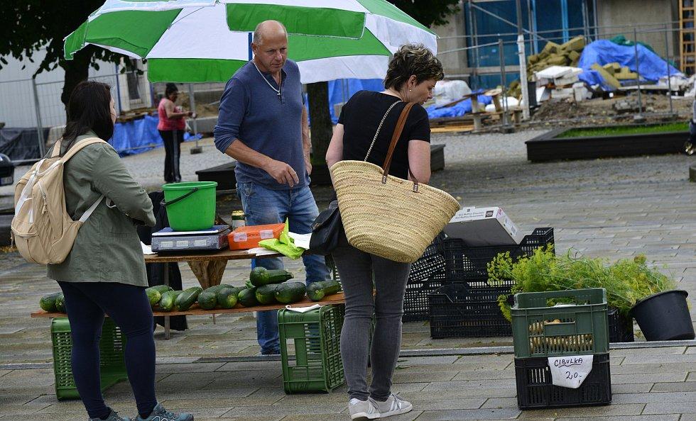 Farmářské trhy v Jirkově.