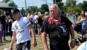 Spanilou jízdou několika set motorek začalo motorkářské schow v Polákách na Chomutovsku.