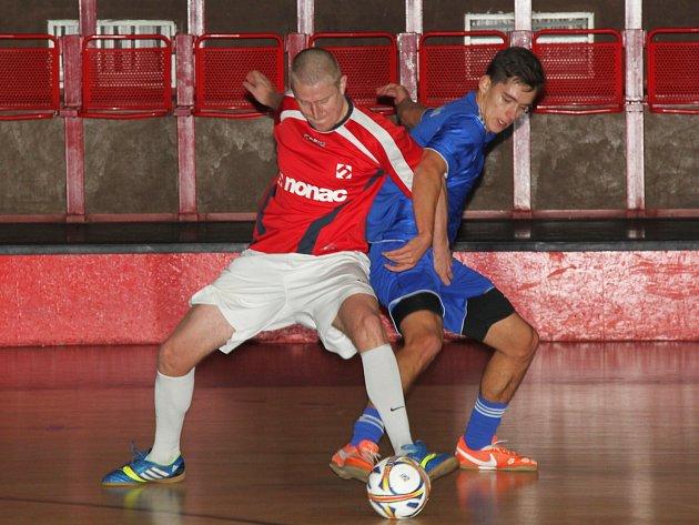 V napínavém souboji 1. ligy prohrála Sparta Nonac s týmem FC VIET Chomutov 2:3.