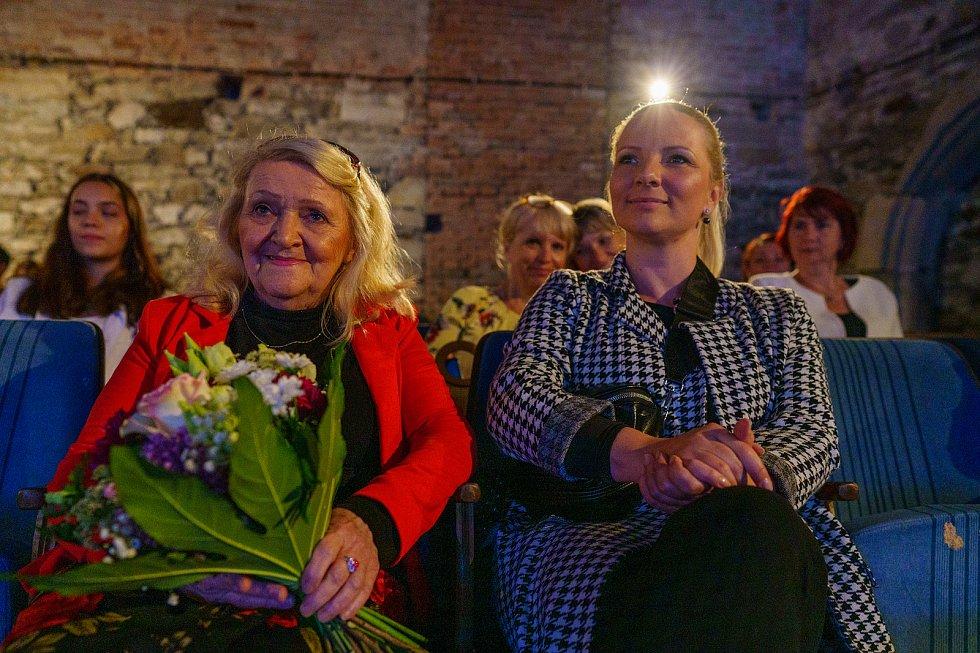 Chomutov ocenil významné osobnosti města, které se zasloužili o jeho rozvoj nebo ho jiným způsobem zviditelnili. cenění jsou Milada, Zelenková a Jaroslav Pachner.