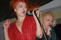 Londýnští Sheep on drugs, legenda techno punku, kteří vystupovali na jednom z minulých Cumbajšpílů.