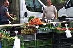 Chomutovské farmářské trhy zůstanou přesunuté nejméně do října.