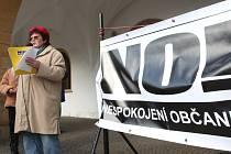 Snímek z druhého protestního setkání hnutí Nespokojení občané Chomutova.