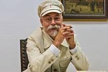 """Na oslavách bude živý """"tatíček"""" Masaryk. Ztvární ho Jan Kohout, člen Muzea československého opevnění z let 1936-1938 Na Kočičáku."""