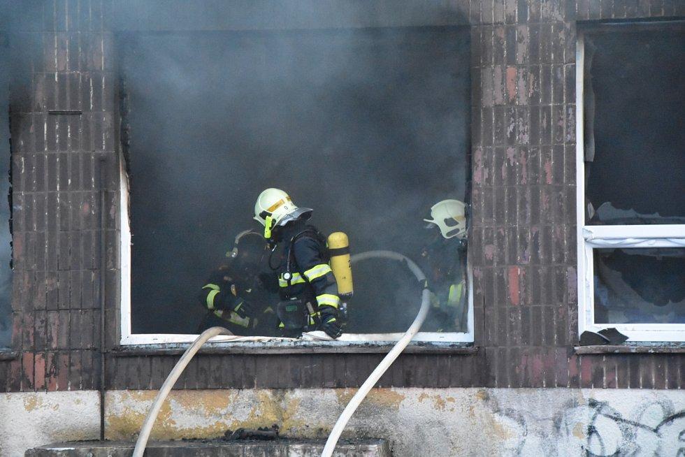 Požár bývalé restaurace Mexiko v Jirkově