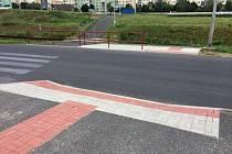 Přechod pro chodce v otvické obchodní zóně se dočkal úpravy