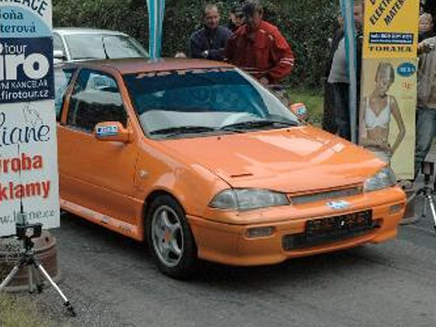 Chomutov - Již desátý závod měl na programu seriál automobilových závodů do vrchu Triola cup 2008. Jelo se z Chomutova ze Zátiší směrem na Blatno.