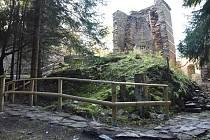 Jedním z míst, kam je možné vyrazit na výlet, je vápenka u Kovářské, která je chráněnou památkou.