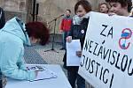 Protest proti jmenování Marie Benešové ministryní spravedlnosti a Andreji Babišovi v Chomutově
