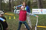 Na Dni Země děti předvedly své atletické schopnosti. Ale tak, aby je to vážně bavilo.