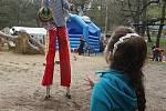 Děti se bavily na Dni Země v zooparku.