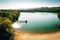 Areál Kamencového jezera se bude hemžit mladými sportovci.