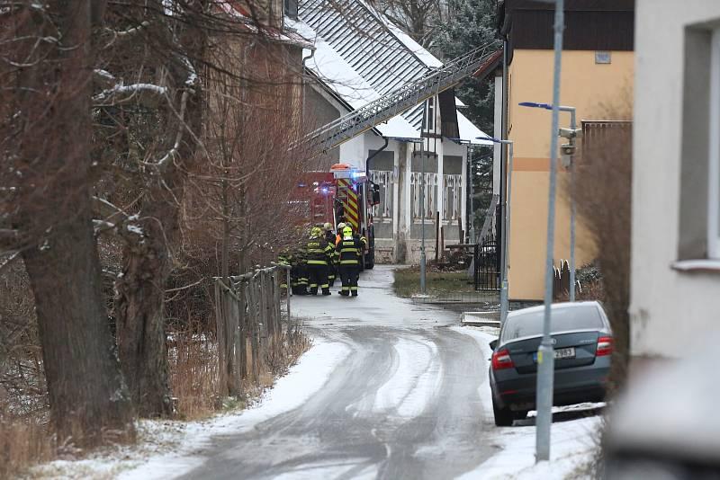 Tragický požár ve Vejprtech si vyžádal životy osmi lidí.