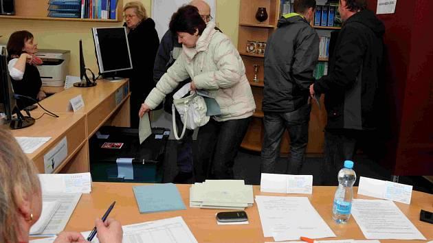 V Křímově byl o volby zájem, už v sobotu před polednem měla odvolena třetina obyvatel.