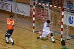 Junioři Baníku Chomutov U19 (zelení) v prvním utkání převálcovali Démony z České Lípy 8:0.