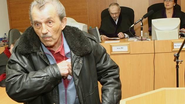 Ivane Iliev, který zavraždil mladého muže loni v létě před restaurací v Klášterci nad Ohří.